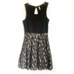 Xhiliration Black and Gold Cocktail Dress
